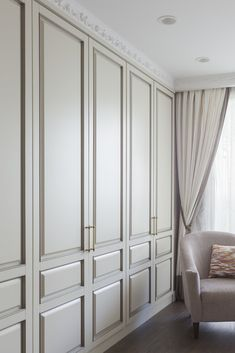 closet walk in Wardrobe Interior Design, Bedroom Closet Design, Home Room Design, Home Bedroom, Home Interior Design, Living Room Designs, Bedroom Decor, Bedroom Built In Wardrobe, Wardrobe Doors