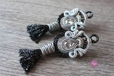 Soutache earrings, handembroidered earrings, swarovski earrings, black and silver, handmade in Italy
