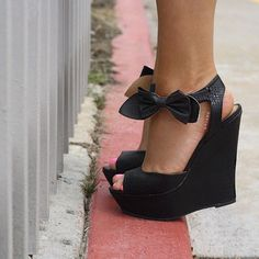 30 Ultra Trendy Wedge Sandals On The Street — Style Estate