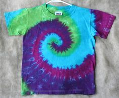 I know someone who was talented with  Tie-dye that she could do this no problem