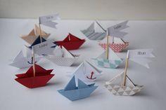 Marque places petit bateau origami (lot de 10) - thème marin, bleu rouge beige - baptême, babyshower, communion, mariage
