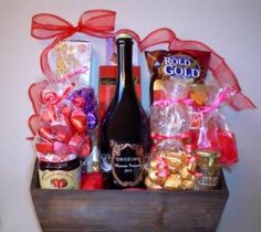 Holiday Gift Baskets, Wine Gift Baskets, Holiday Gifts, Cool Gifts, Best Gifts, Real Estate Gifts, Balloon Gift, Wine Festival, Wines