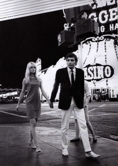 Brigitte Bardot and third husband Gunter Sachs, in Las Vegas, 1966 Brigitte Bardot, Bridget Bardot, Las Vegas City, Lake Pictures, Photo D Art, French Actress, Vanity Fair, Old Hollywood, Hollywood Vanity