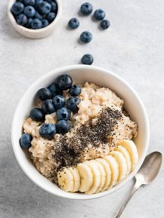 breakfast pictures Tasty porridge oatmeal for breakfast by The baking man on creativemarket Healthy Breakfast Smoothies, Healthy Snacks, Healthy Oatmeal Recipes, Plats Healthy, Breakfast Pictures, Snacks Saludables, Anti Inflammatory Recipes, Yummy Food, Tasty