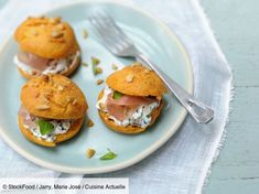 undefined Salmon Burgers, Ricotta, Ethnic Recipes, Food, Cooking Recipes, Food Ideas, Essen, Meals, Yemek