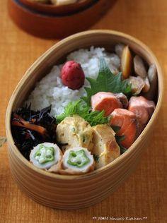 鮭、卵焼き、竹輪のオクラ詰め、ひじき煮、根菜の煮物