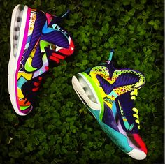 """To say District Customs knocked these Nike Lebron 9 """"What the out of the park would be an understatement. Nike Sweatpants, Nike Leggings, Nike Socks, Nike Free Shoes, Nike Shoes Outlet, Kd Shoes, Hype Shoes, Tenis Basketball, Nike Inspiration"""