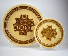 Crown Lynn Honeyflower Dinnerware Set - Vintage Genuine Ironstone - Set for Four - Plates & Bowls - Made in New Zealand D 237