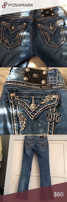 Miss me bootcut Worn but no flaws also hemmed at the bottom to about a 31 inseam Miss Me Jeans Boot Cut