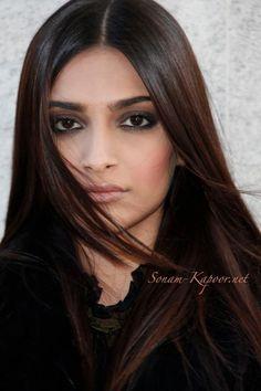 Sonam Kapoor #Bollywood