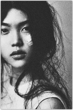 F She Was Beautiful, Beautiful People, Photography Women, Portrait Photography, Black White Photos, Black And White, Photo Black, Female Portrait, Woman Portrait