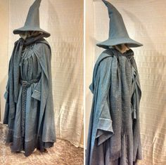 Gandalf - pics to inspire me. M has asked to be Gandalf for Halloween. Wizard Robes, Wizard Costume, Wizard Wizard, Fantasy Costumes, Cosplay Costumes, Halloween Costumes, Halloween Queen, Halloween 2015, Elven Costume