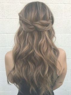 56 Ideas Wedding Hairstyles Half Up Half Down With Flowers Rehearsal Dinners - wedding hairstyles Wedding Hair Half, Wedding Hairstyles Half Up Half Down, Half Up Half Down Hair, Wedding Hairstyles For Long Hair, Wedding Hair And Makeup, Bridal Hair, Bridesmade Hairstyles, Hairstyle Wedding, Bridal Party Hairstyles