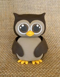 Fondant owl cake topper, so sweet for fall! Created by Adorn Cake Design: www.adorncakedesign.com