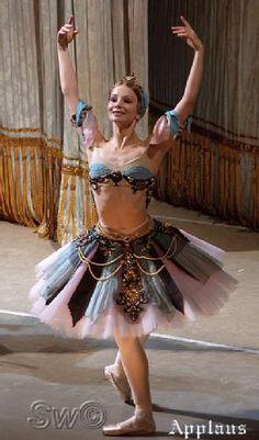 """""""Le corsaire"""" - pas de trois das Odaliscas, Evgenia Obraztsova, Mariinsky Ballet ;) - Fotolog"""