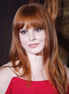 Lauren Ambrose Bangs makes her look more adult Lauren Ambrose, Rachel Griffiths, Wedding Hairstyles, Cool Hairstyles, Ginger Models, Dyed Red Hair, Simply Red, Ginger Hair, Hair Inspo