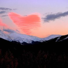 When the place that you #love loves you back. Happy #Valentine's Day from #WinterParkColorado!  #spreadthelove #winterparklife  #coloradolive #playwinterpark #gogrand #visitwinterpark #valentinesday #colorado #rockymountains #continentaldivide #tbt #beourvalentine #presidentsweekend #longweekend #weekendgetaway