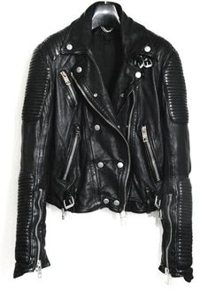 To know more about BURBERRY PRORSUM Leather Biker Jacket, visit Sumally, a social network that gathers together all the wanted things in the world! Featuring over other BURBERRY PRORSUM items too! Fashion Moda, Look Fashion, Womens Fashion, Male Fashion, Mode Masculine, Style Work, Style Me, Burberry Leather Jacket, Leather Jackets