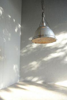 ビンテージ HOLOPHANE インダストリアル ペンダントライト 【Pendant】 - SHARK ATTACK Inc. Lanterns, Ceiling Lights, Coffee, Lighting, Room, Vintage, Ideas, Home Decor, Kaffee