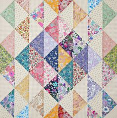 This easy table topper features subtle shifts in fabric contrast. Fabrics are from the Memoire A Paris 2019 collection and American Country collection by Masako Wakayama for Lecien. Table Topper Patterns, Table Runner Pattern, Table Toppers, Small Quilts, Easy Quilts, Mini Quilts, Scrappy Quilts, Patch Quilt, Quilt Blocks