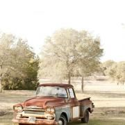 Love the Chevy trucks from the late Old Pickup Trucks, Farm Trucks, Cool Trucks, Lifted Trucks, Gmc Pickup, Antique Trucks, Vintage Trucks, Funny Vintage, Classic Chevy Trucks