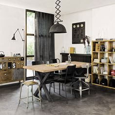 Meubles d co d int rieur industriel maisons du monde for Deco interieur style industriel