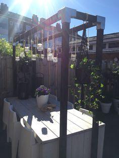 #Karwei #pergola #garden #dinningtable #hanging lights
