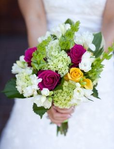 Wedding Bouquets Purple Summer White Roses 64 Ideas For 2019 Summer Wedding Bouquets, Purple Wedding Bouquets, Prom Flowers, Bride Bouquets, Wedding Colors, Wedding Flowers, Yellow Wedding, Wedding Stuff, Dream Wedding