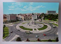 A Praça do Marquês de Pombal (Fotos: Observador/Delcampe.net).