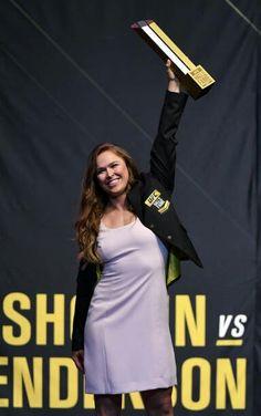 Ronda Rousey, Ufc, Dresses For Work, Poses, Female, Division, Fashion, Figure Poses, Moda