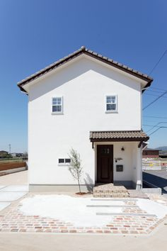 働きながらお家時間も楽しむ~工夫にあふれたナチュラルハウス Japan House Design, Dream House Exterior, Living Styles, Luxury Decor, Love Home, Luxury Living, Townhouse, My House, House Plans