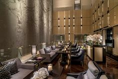 Four Seasons Pudong Shanghai Executive Lounge Hotel Lounge, Lobby Lounge, Restaurant Lounge, Restaurant Concept, Hotel Lobby, Restaurant Design, Bar Lounge, Lounge Design, Public Hotel