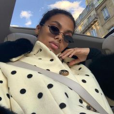 Here, we're highlighing the best fashion brands of Find out the labels every fashion girl wore over the past year. Look Fashion, Girl Fashion, Winter Fashion, Fashion Outfits, Runway Fashion, Look Cool, Cool Style, Tina Kunakey, Trendy Outfits