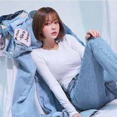 Pretty Korean Girls, Cute Korean, Beautiful Asian Girls, Korean Short Hair, Looks Jeans, Ulzzang Korean Girl, Uzzlang Girl, Short Hair With Layers, Good Girl