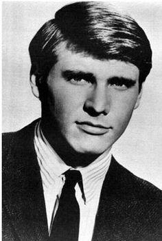 Harrison Ford ..  I did not recognize him til I saw his name.  You?