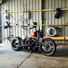 Harley Davidson Custom, Harley Davidson Chopper, Harley Davidson News, Harley Davidson Motorcycles, Bobber Bikes, Bobber Motorcycle, Cool Motorcycles, Motorcycle Wiring, Harley Bobber