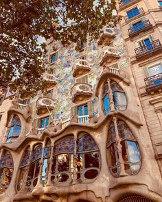 Casa Batllo in Barcelona Barcelona Architecture, Amazing Architecture, Gaudi, The Good Old Days, The Good Place, Art Nouveau, Travel Pictures, Travel Pics, Best Vacations