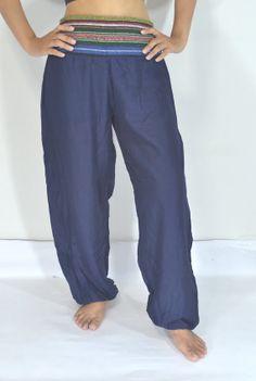 Thai Yoga pantalones azul marino por Lannaclothesdesign en Etsy, $12.99