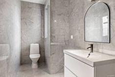 Björksoppsvägen 7B i Ekeby-Almby, Örebro - Villa till salu - Hemnet Walk In, Toilet, Villa, Bathroom, Velvet, Washroom, Flush Toilet, Full Bath, Toilets