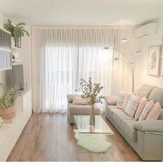 A imagem pode conter: sala de estar, mesa e área interna - casa mae - Living Room Decor Cozy, Small Living Rooms, Living Room Interior, Home Living Room, Living Room Designs, Bedroom Decor, Apartment Interior, Apartment Design, Home Decor