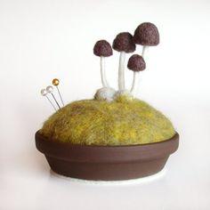 Mushroom Pincushion – Brown on Spring Moss, Made To Order – Nature Themed Decor - Modern Felt Mushroom, Brown Mushroom, Mushroom Decor, Stuffed Mushroom Caps, Stuffed Mushrooms, Needle Felted, Wet Felting, Felt Christmas, Christmas Ornaments