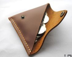 handmade leather wallet  change wallet coin. Wonder if I can do this with the left over leather I have?
