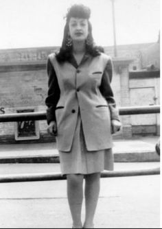 1940s La Pachuca Zoot Style- short skirt, long jacket, big hair