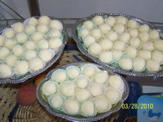 Raffaello pentru copii - imagine 1 mare Sweets Recipes, Cooking Recipes, Desserts, Romanian Food, Honeydew, Winter Holidays, Truffles, Crockpot, Ale