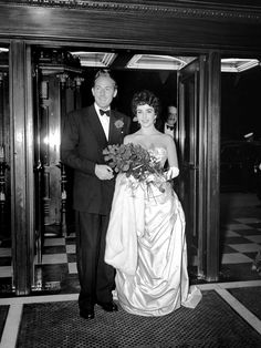 June 13, 1952 ... with second husband, Michael Wilding, at premier of Ivanhoe