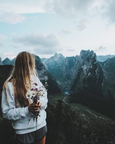 mountains | blondes | wild flowers | hike | adventure | views | photography | sweaters