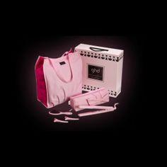 ghd rettetang rosa boks gave sett er den siste til å treffe catwalken. Pastell rosa og nude nyanser er fargen fargen uttalelse av sesongen som gjør at ghd rettetang rosa perfekt på trenden.Inspirert av rullebanen, kommer ghd rettetang rosa boks gave sett komplett med en samling av aldri-sett-før ghd tilbehør og gratis frakt. Hemmeligheten bak perfekt stil,er ghd 's nyeste tilbudet et must for enhver fashional.  http://www.minrettetangghd.com/ghd-rettetang-rosa-boks-gave-sett.html
