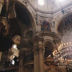 Kostel sv. Mikuláše   Beautiful interior of the small Saint Nicholas Church, located near the old town square of Prague.