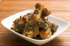 Gà Kho Recipe (Vietnamese Caramelized Chicken) - Hungry Huy Vietnamese Cuisine, Vietnamese Recipes, Asian Recipes, Ethnic Recipes, Asian Foods, Chicken Drumstick Recipes, Chicken Recipes, Meat Recipes, Chicken Drumsticks