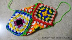 Tutorial de ganchillo para hacer slippers de punto afgano o grany squares (Step by step tutprial to make slippers with granny squares) Knitted Slippers, Slipper Socks, Knitting Stitches, Knitting Socks, Dyi Crafts, Arts And Crafts, Graffiti, Socks And Sandals, Crochet Shoes